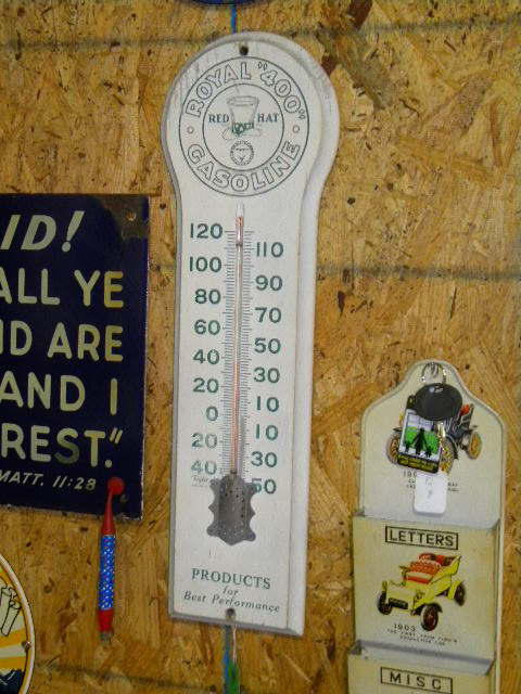 $OLD Royal 400 RED HAT Thermometer