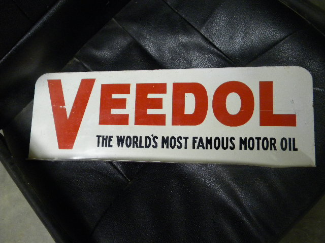 $OLD Veedol DST Oil Can Rack Topper Sign