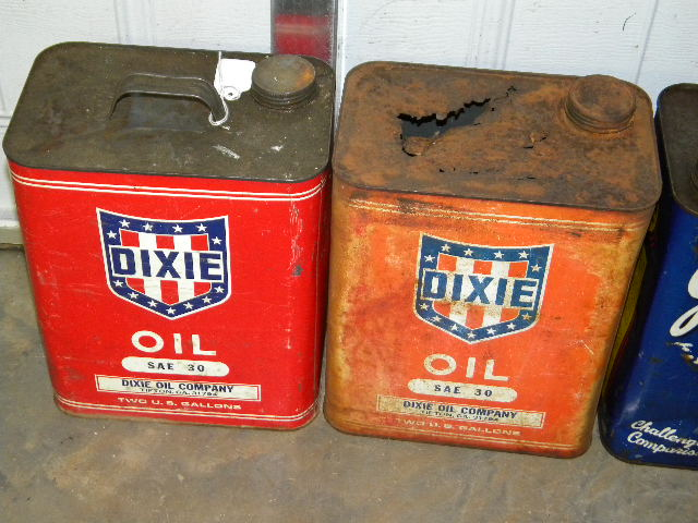 $OLD Dixie 2 Gallon Oil cans